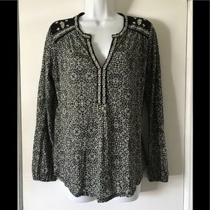 Lucky Brand embroidered split neck top M